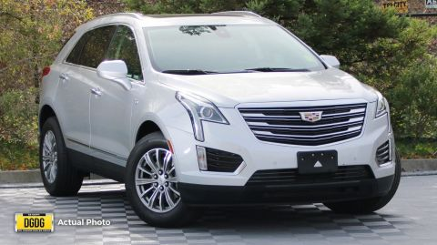 Pre-Owned 2017 Cadillac XT5 Luxury FWD